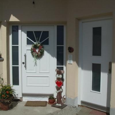 Haustüre mit zwei Seitenteilen