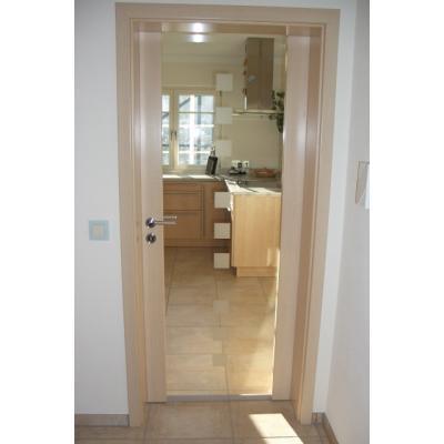 Zimmertüre mit durchgehender Glasscheibe